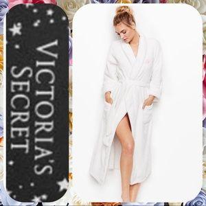 NWT long Victoria Secret Robe